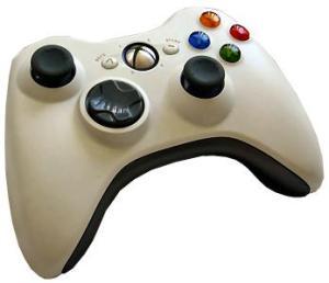 Xbox 360 -pelikonsolin pad-ohjain. Kuvalähde: Wikipedia